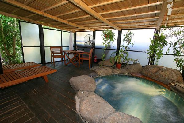 צימרים אונסן - בקתות יפניות - לחופשה מרעננת ברמת הגולן והכנרת