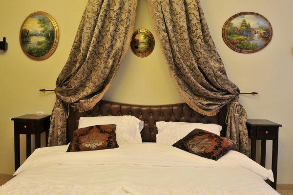 צימרים הטירה של איזבלה - לחופשה מרעננת בלבנים