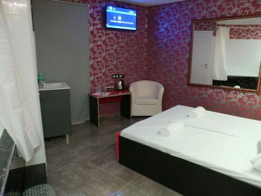 חדרים-16