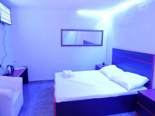 חדרים-28
